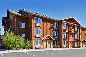 Yellowstone Kelly Inn - new & expanded breakfast