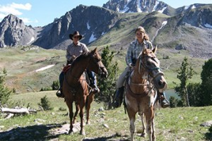 Yellowstone Mountain Guides - trail riding