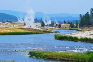 Yellowstone Alpen Guides - Summer Park Tours