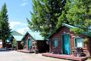 Moose Creek Inn and Warm, Comfortable Cabins