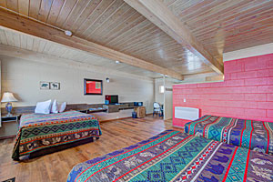 Sportsman's Lodge | Lodge Rooms & Cabins